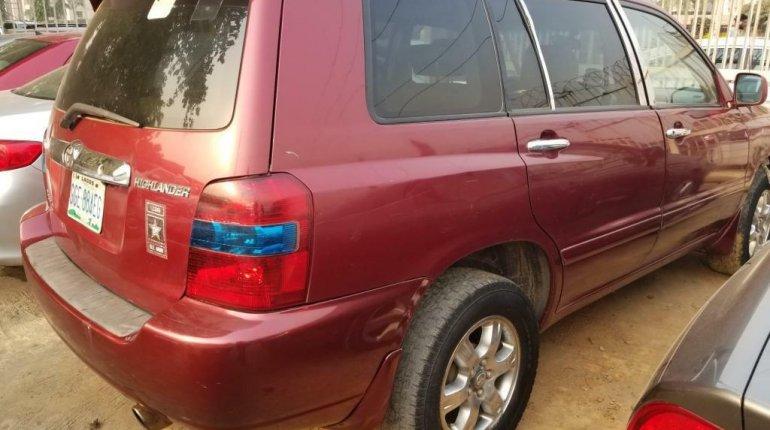 Nigeria Used Toyota Highlander 2005 Model Red-9