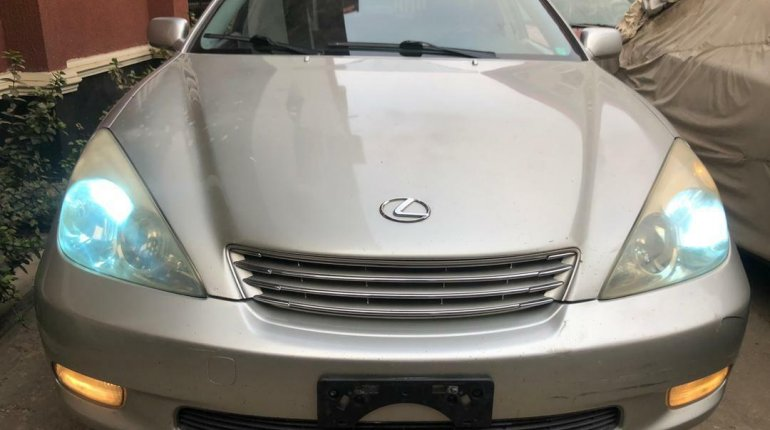 Foreign Used Lexus ES 2004 Model Silver-2