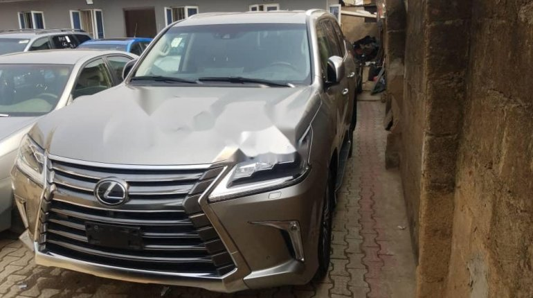 Foreign Used Lexus 570 2016 Model Gold -3