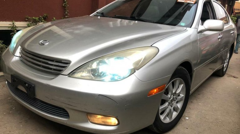 Foreign Used Lexus ES 2004 Model Silver-7