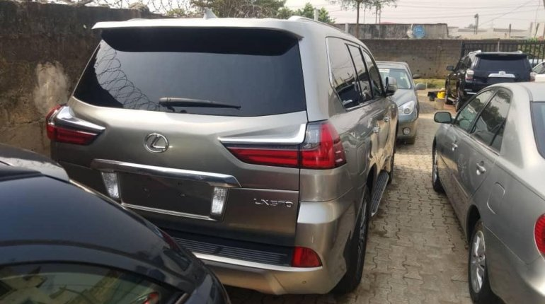 Foreign Used Lexus 570 2016 Model Gold -1