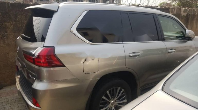Foreign Used Lexus 570 2016 Model Gold -2