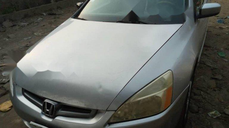 Nigeria Used Honda Accord 2004 Model Silver-0