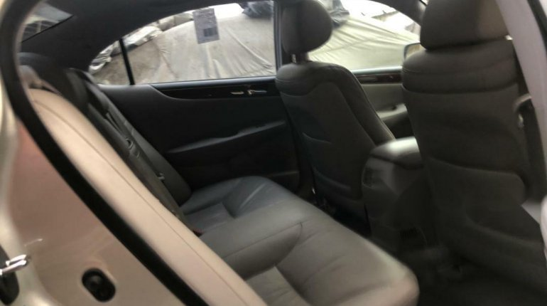Foreign Used Lexus ES 2004 Model Silver-3