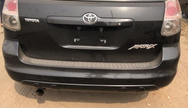 Foreign Used Toyota Matrix 2005 Model Black-4