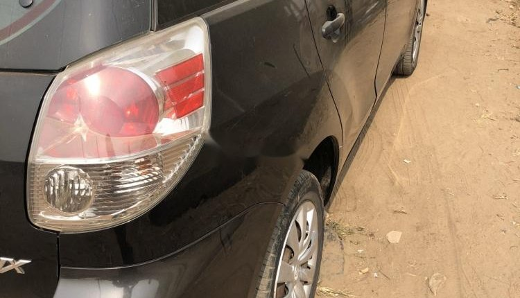 Foreign Used Toyota Matrix 2005 Model Black-7
