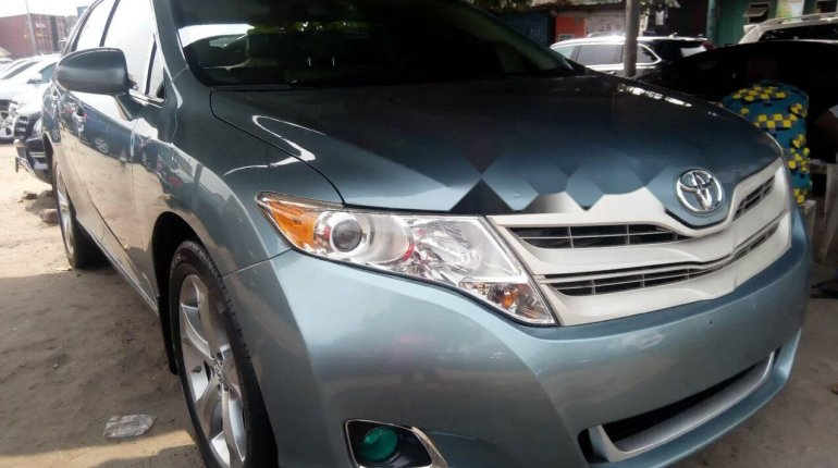 Foreign Used Toyota Venza 2010 Model Blue-1