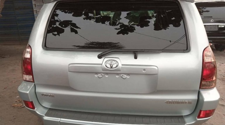 Foreign Used Toyota 4-Runner 2005 Model Silver-2