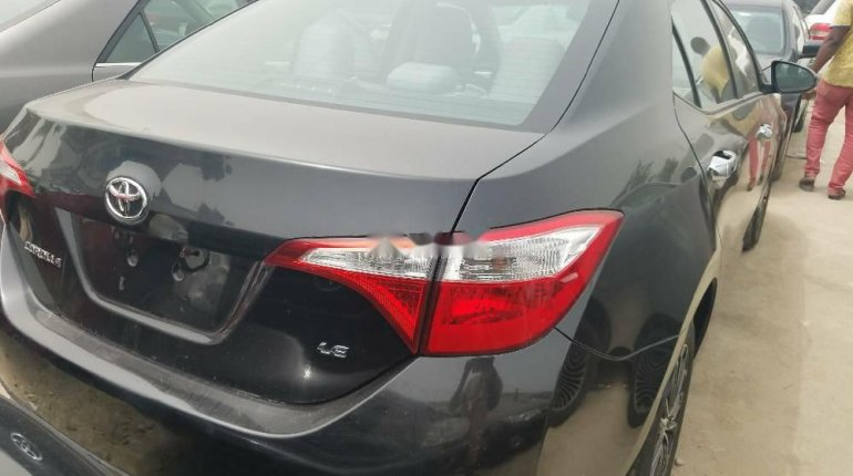 Foreign Used Toyota Corolla 2015 Model Black -3