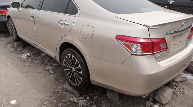 Foreign Used Lexus ES 2010 Model Gold-1