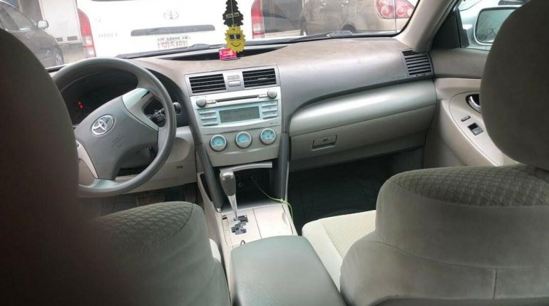 Nigeria Used Toyota Camry 2008 Model Silver -3