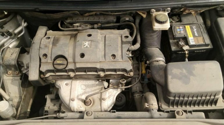 Foreign Used Peugeot 307 2005 Model Silver-5