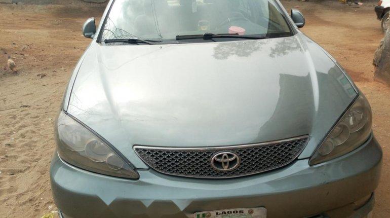 Nigeria Used Toyota Camry 2006 Model Silver-0