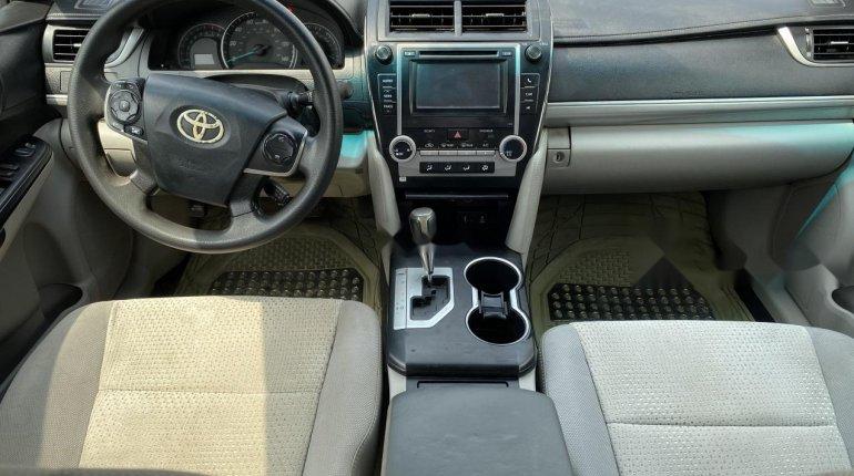 Nigeria Used Toyota Camry 2013 Model Silver-4