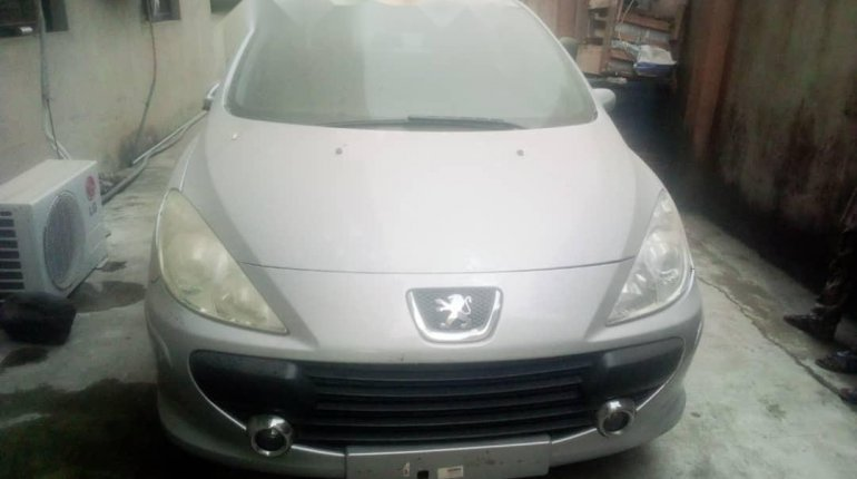 Foreign Used Peugeot 307 2008 Model Silver-0