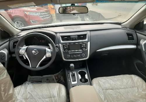 Foreign Used Nissan Altima 2017 Model White-2