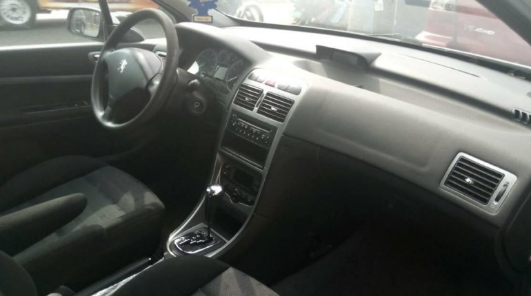 Foreign Used Peugeot 307 2005 Model Silver-4