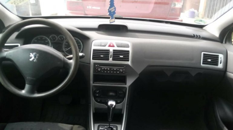Foreign Used Peugeot 307 2005 Model Silver-3