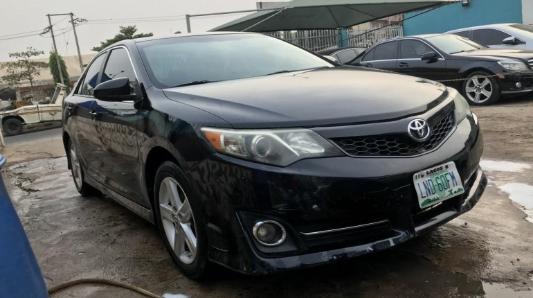 Well Maintained Used 2013 Black Toyota Camry for sale in Lagos.-2