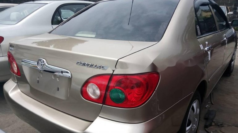Foreign Used 2007 Gold Toyota Corolla for sale in Lagos. -4