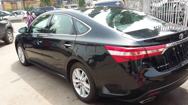 Very Clean Toyota Avalon Xle 2015 Model-8