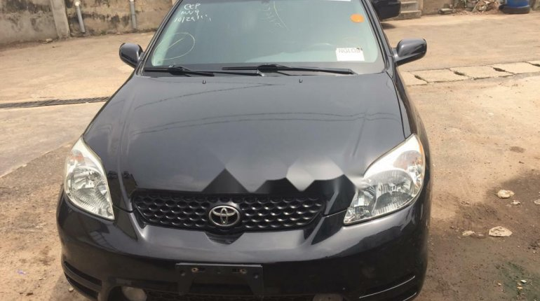 Foreign Used 2003 Black Toyota Matrix for sale in Lagos. -0