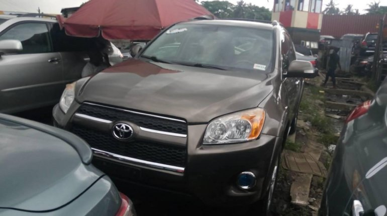 Foreign Used 2010 Gold Toyota RAV4 for sale in Lagos.-0