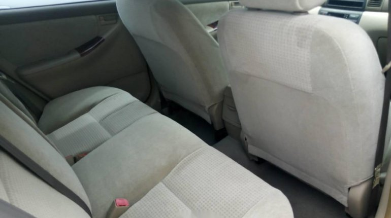Foreign Used 2007 Gold Toyota Corolla for sale in Lagos. -3