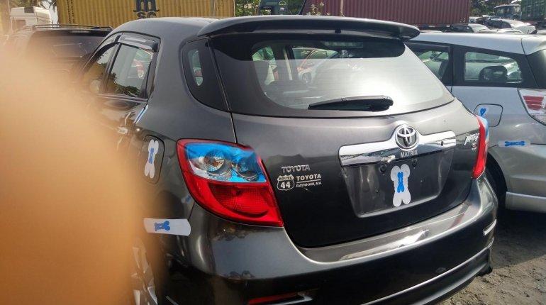 Full Option Tokunbo Toyota Matrix 2010 Model -6