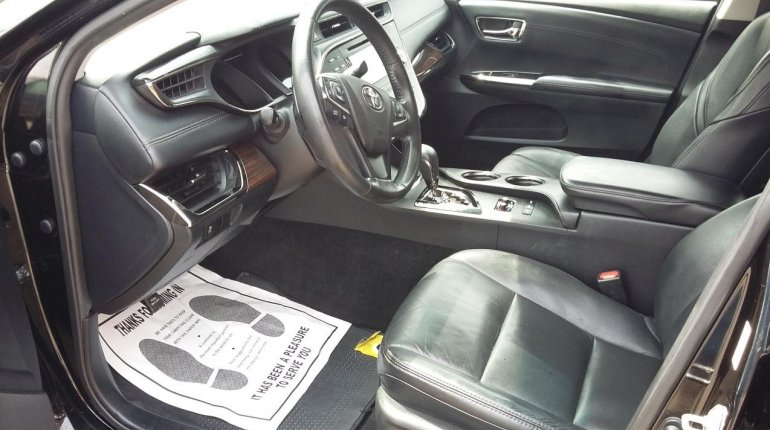 Very Clean Toyota Avalon Xle 2015 Model-5