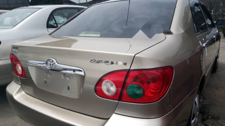 Foreign Used 2007 Gold Toyota Corolla for sale in Lagos. -5