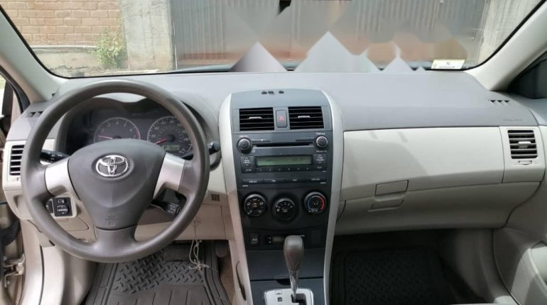Foreign Used Toyota Corolla 2010 Model Gold -6