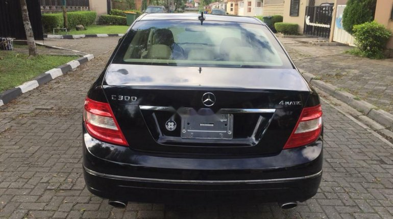 Foreign Used Mercedes-Benz C300 2010 Model Black-1
