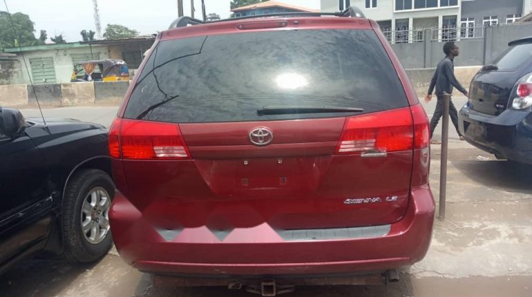Foreign Used Toyota Sienna 2004 Model Red-1