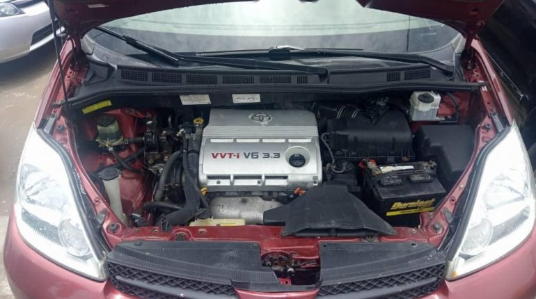 Foreign Used Toyota Sienna 2004 Model Red-9