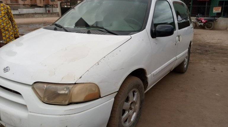 Nigeria Used Nissan Quest 2002 Model White-1