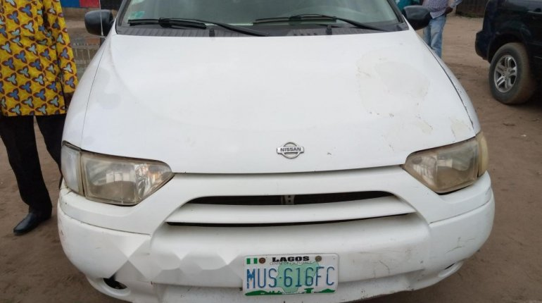 Nigeria Used Nissan Quest 2002 Model White-0