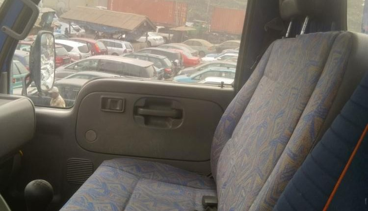 Foreign Used 1998 Blue Nissan Cabstar for sale in Lagos-4