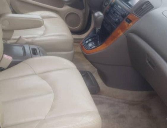 Foreign Used 2001 Gold Lexus RX for sale in Lagos-4