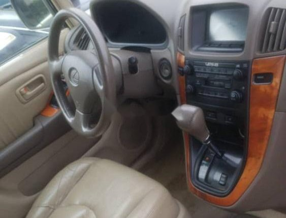 Foreign Used 2001 Gold Lexus RX for sale in Lagos-5
