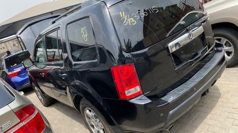 Foreign Used 2009 Black Honda Pilot for sale in Lagos-9