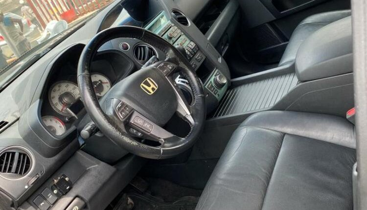 Foreign Used 2009 Black Honda Pilot for sale in Lagos-8
