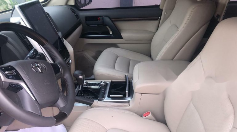 2019 Black Toyota Highlander for sale in Lagos-5