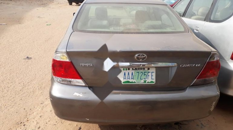 Nigeria Used Toyota Camry 2006 Model Gray-1