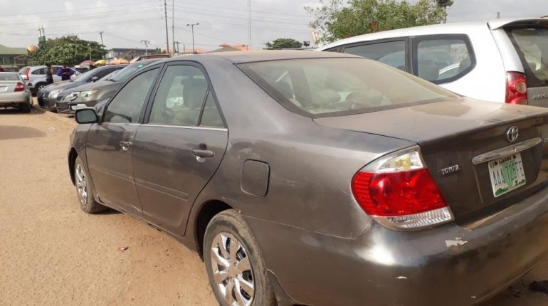 Nigeria Used Toyota Camry 2006 Model Gray-2