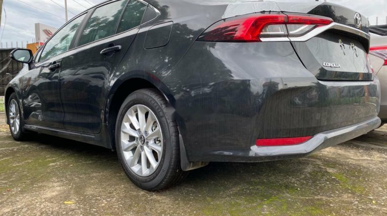 Foreign Used Toyota Corolla 2020 Model Black-5
