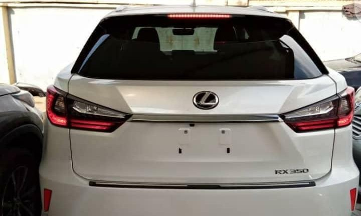 Foreign Used 2003 White Lexus RX for sale in Lagos. -1