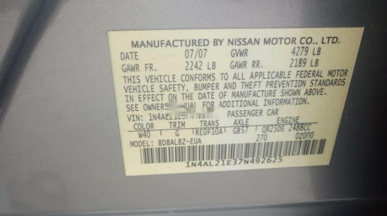 Foreign Used 2005 Silver Nissan Altima for sale in Lagos. -8