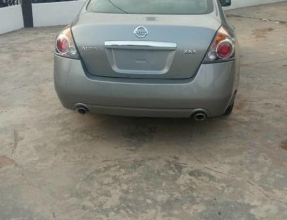 Foreign Used 2005 Silver Nissan Altima for sale in Lagos. -1