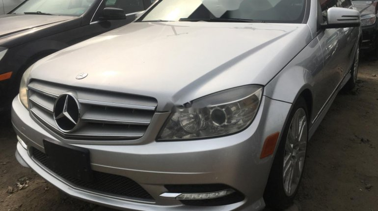 Foreign Used Mercedes-Benz C300 2010 Model Silver-2